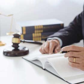 Pomoc radcy prawnego dla podmiotów gospodarczych – zakres nowoczesnych usług