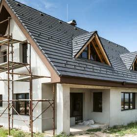 Życie na swoim – ile kosztuje zakup działki, budowa domu oraz jego utrzymanie?
