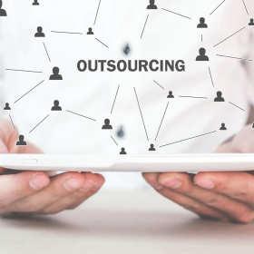 Nowoczesna księgowość – zapomnij o etacie, postaw na outsourcing