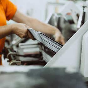 Techniczne aspekty druku offsetowego – opłacalność i rodzaje
