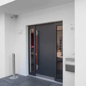 Drzwi zewnętrzne do domu – na co zwrócić uwagę przy zakupie?