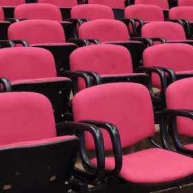 Dlaczego warto brać udział w konferencjach?