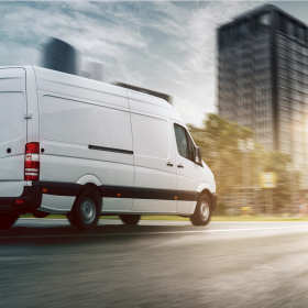 Jak wybrać najlepszą firmę do transportu mebli?
