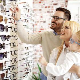 Okulary przeciwsłoneczne – Moda czy zdrowie? Z targowiska czy od optyka?