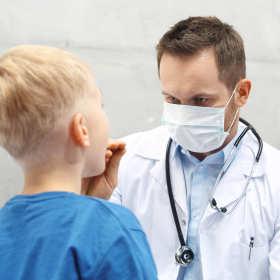 Wizyta u laryngologa – kiedy należy się na nią zdecydować?