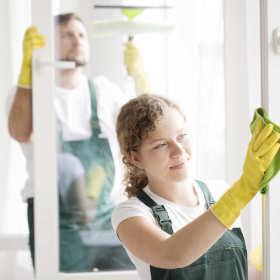 Porządek wokół mnie, porządek we mnie – zalety firm sprzątających