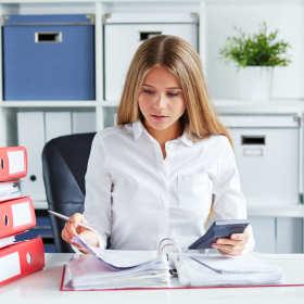 Biuro księgowe czy własna księgowość?