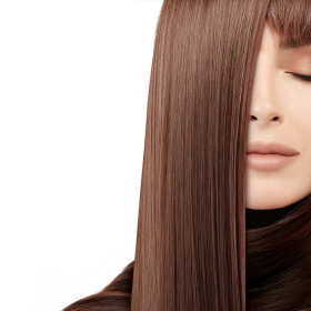 Najlepsze zabiegi regenerujące włosy