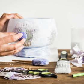 Decoupage – hobby i sposób na wyjątkowy prezent