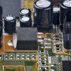 Kondensatory w technice kolejowej