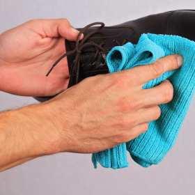 Jak dbać o buty skórzane zimą