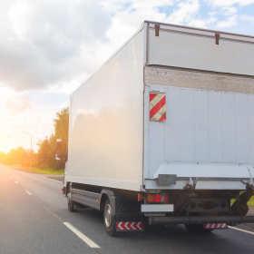 Niebezpieczny towar – jak go transportować?