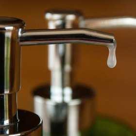 Mydła i pianki – środki do czyszczenia rąk