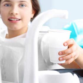 Chore zęby Polaków – o jamę ustną trzeba dbać!