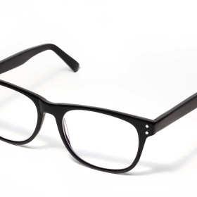 Czym powinniśmy kierować się przy doborze opraw okularowych?