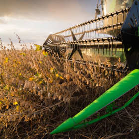 Maszyny rolnicze – jak wybrać właściwie?