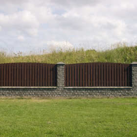 Ogrodzenia betonowe – dlaczego warto się na nie zdecydować?