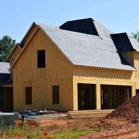 Budujemy dom – jak wybrać dobrą firmę budowlaną?