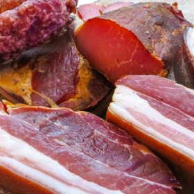 Szynki, kiełbasy i dania z wieprzowiny