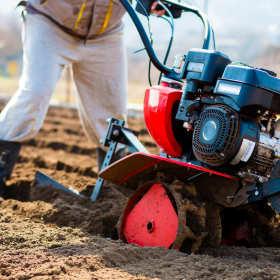 Na roli i w ogrodzie – maszyny potrzebne do uprawy roślin