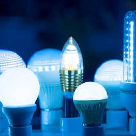 Źródła światła w domach i mieszkaniach - co warto wziąć pod uwagę podczas ich zakupu?
