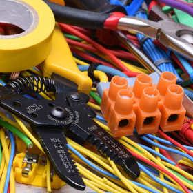 Co wyróżnia najlepsze hurtownie elektryczne?