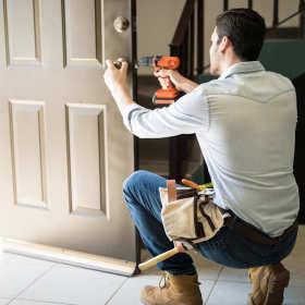 Montaż drzwi zewnętrznych – zadbaj o bezpieczeństwo i komfort w swoim domu