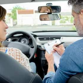 Jak przygotować się do egzaminu na prawo jazdy? Kilka prostych zasad
