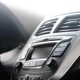 Znaczenie regularnego odgrzybiania klimatyzacji samochodowej