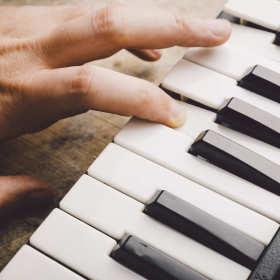 Dlaczego warto nauczyć się grać na instrumentach? Są przynajmniej trzy dobre powody