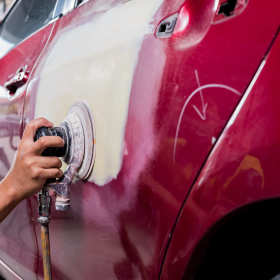 Jak mieszać lakier samochodowy? To nie takie proste!