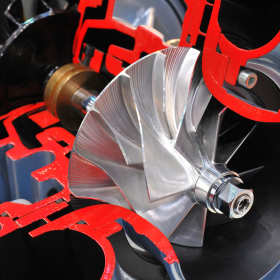 Regenerować czy wymienić? Co zrobić z zepsutą turbosprężarką?