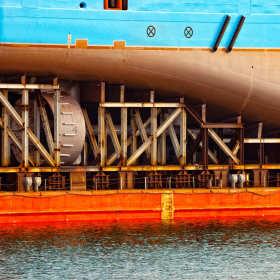 Produkcja wyposażenia okrętowego – czym się zajmuje stocznia?