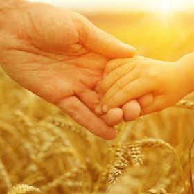 Daj dzieciom szczęśliwe dzieciństwo. Dlaczego warto wspierać fundacje?