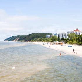 Dlaczego warto spędzić wakacje nad polskim morzem?