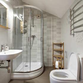Jak urządzić małą łazienkę?