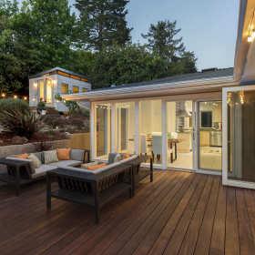 Taras, altana, balustrada. Jak dbać o drewno na zewnątrz?