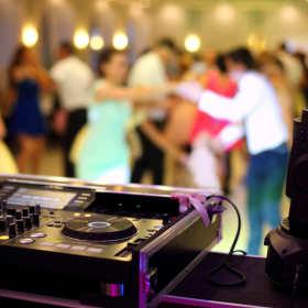 Oprawa muzyczna – podstawa dobrej imprezy