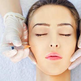 Jak stosować kwas hialuronowy w kosmetyce?