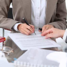Prowadzisz przedsiębiorstwo? Sprawdź, kiedy możesz potrzebować pomocy prawnika