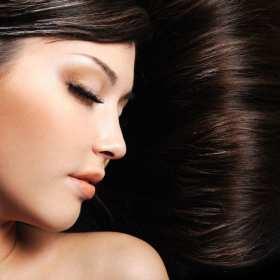 4 preparaty z apteki, którymi zwalczysz wypadanie włosów