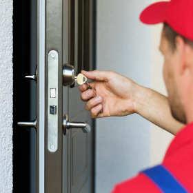 Kiedy konieczna jest wymiana zamka w drzwiach?