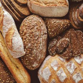 Dlaczego coraz trudniej kupić dobry chleb? Gdzie go szukać?