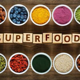 Superfood – czym jest i jak działa? Co warto włączyć do codziennego jadłospisu? Podpowiadamy