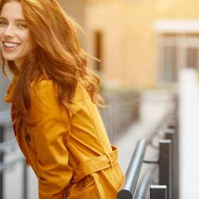 Na co zwrócić uwagę, kupując płaszcz damski na jesień?