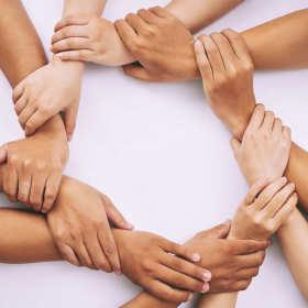 Trzy powody, dla których warto pomagać innym