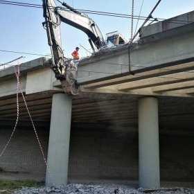 Skomplikowane rozbiórki – hale, mosty, wiadukty