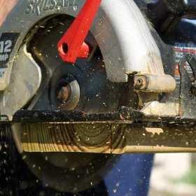 Niezbędnik domowego majsterkowicza. Jakie narzędzia warto mieć w swoim domu?