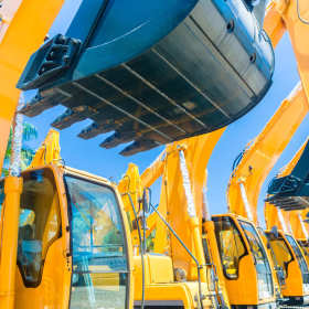 Co zrobić, gdy maszyna budowlana przestanie działać?