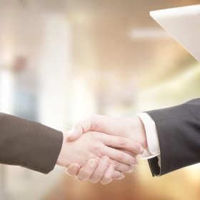 Ustalenie stosunku pracy? Przyda się pomoc adwokata